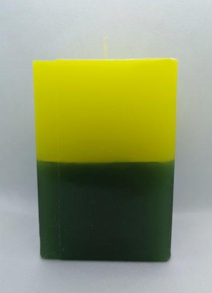 LIELĀ KUBA FORMAS SVECE Dzeltens / Zaļš